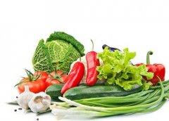 蔬菜浸泡太久无益去除农药 少油快炒有益营养保全